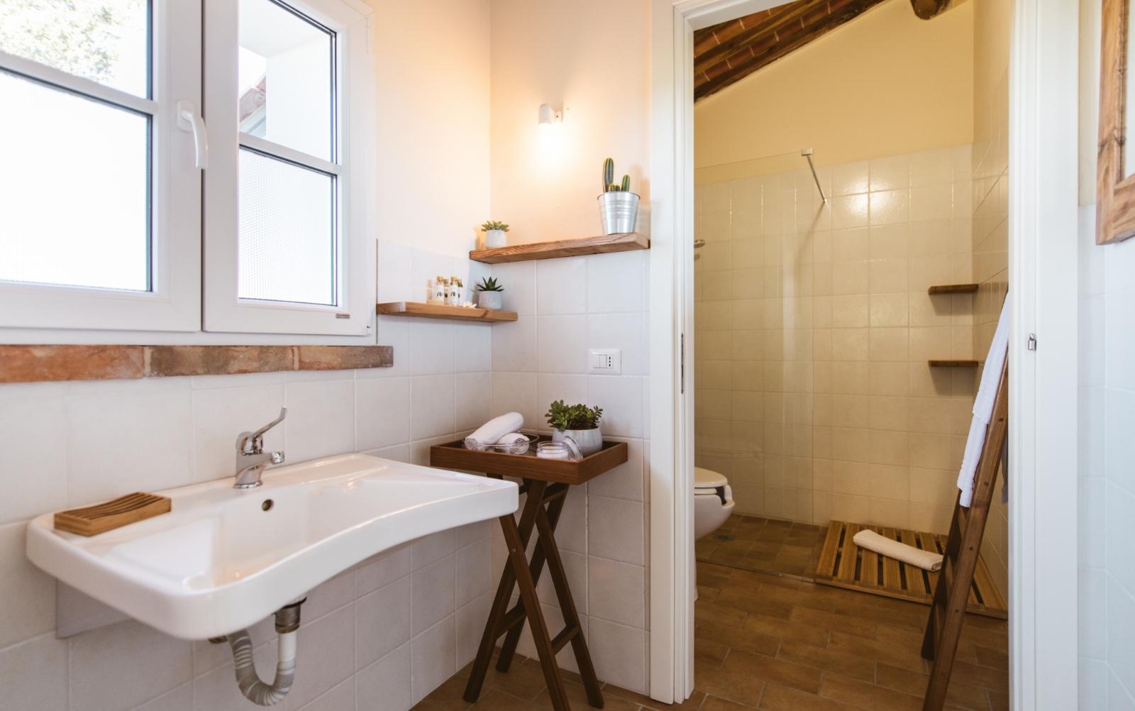 Borgo Le Colline, bathroom