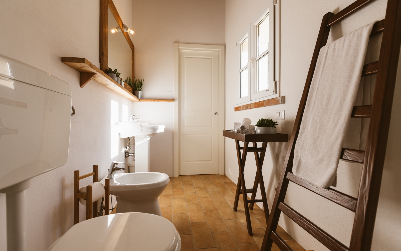 Borgo Le Colline, apartment bathroom